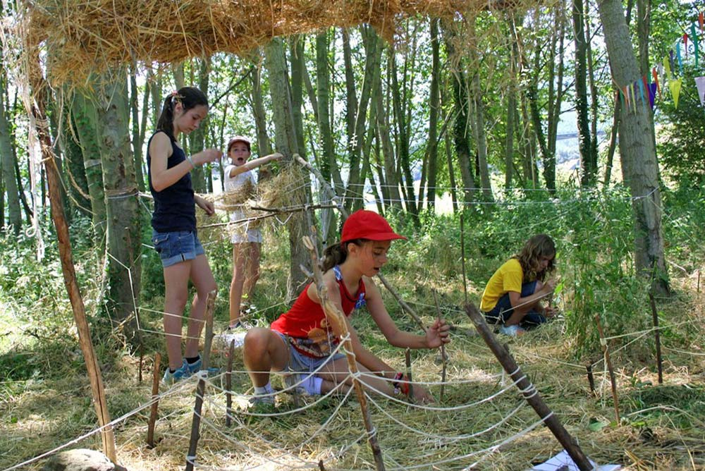 Construint cabanes al Rourell